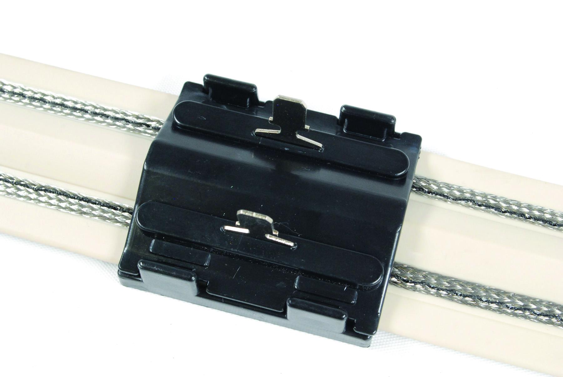 Flex Track™ Quick Connectors - Pest Trader
